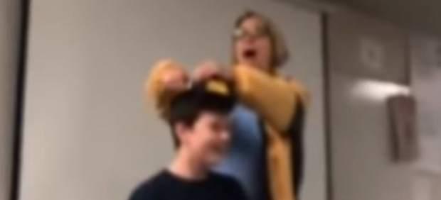 Profesora arrestada