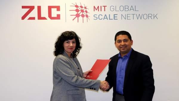 ZLC y la Universidad de Cuenca (Ecuador) han firmado el acuerdo.