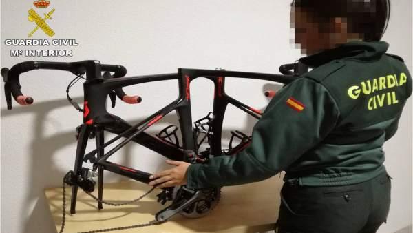 Quatre detinguts a Torrevieja acusats del robatori d'un centenar bicicletes