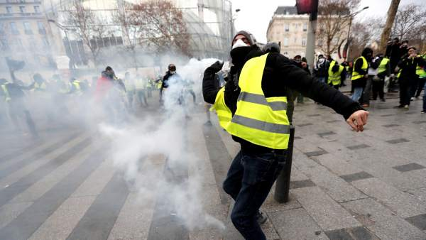 Cargas policiales en París