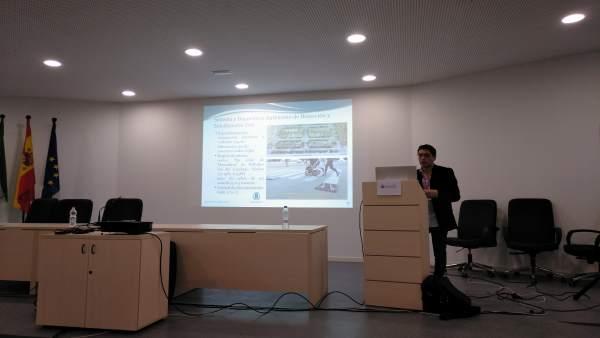 El investigador de la Onubense Tomás Mateo en las  jornadas ScienCity 2018.