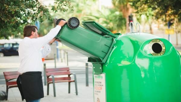 Ecovidrio. Contenedor. Reciclaje de vidrio.