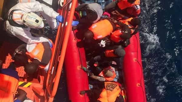 Patera rescatada en Alborán