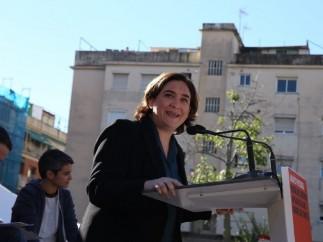 Ada Colau encabezará la candidatura de Barcelona en Comú después de que se haya retirado su único rival