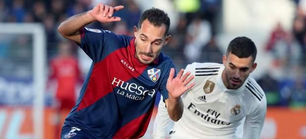 El Real Madrid le gana al Huesca pidiendo la hora