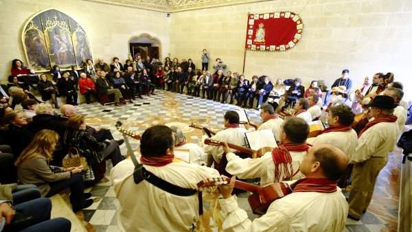 Inauguración del belén canario en el Ayuntamiento.