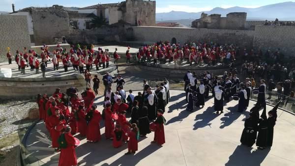 Tamborada en baena por el reconocimiento de la Unesco a este fenómeno