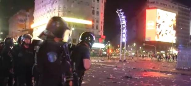 Disturbios en Buenos Aires: los hinchas de River lanzan piedras en los actos de celebración tras ...