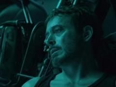 Tony Stark, a la deriva en el espacio en 'Avengers: Endgame'