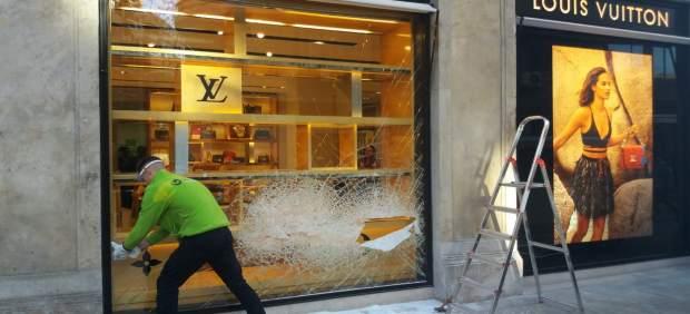 Tres detenidos por intentar robar en Louis Vuitton tras una persecución con tiroteo incluido