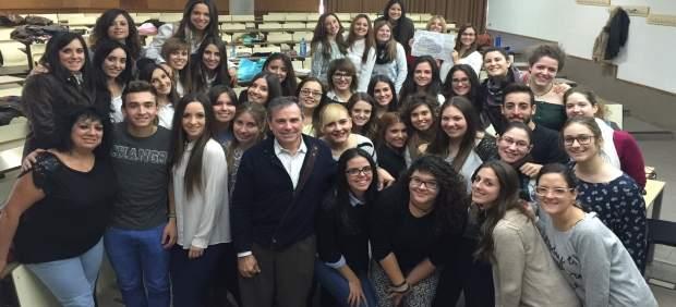 Un profesor de la Universidad de Alicante, entre los finalistas a Mejor Docente de España 2018