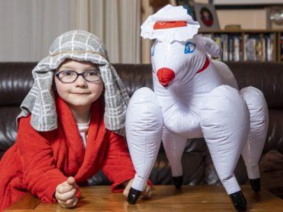 Niño y oveja erótica
