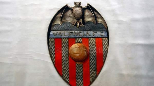 Bandera restaurada del Valencia CF