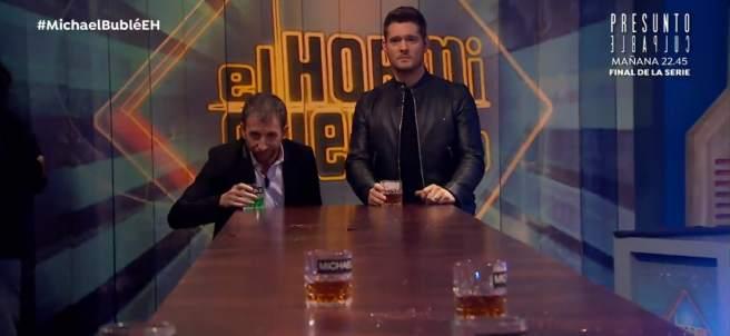 Pablo Motos y Michael Bublé, en 'El hormiguero'.