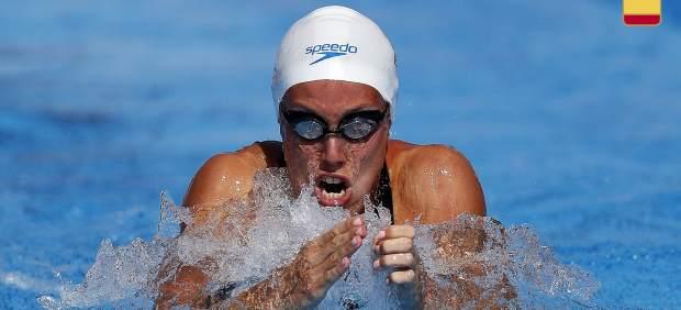 La nadadora Marina García, intervenida por tragarse un hueso de pollo