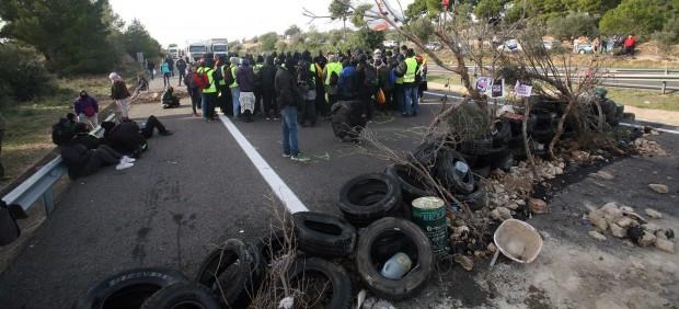 La Fiscalía investigará a los Mossos por no impedir los cortes de los CDR en la autopista AP-7