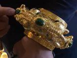 Brazalete gigante de oro