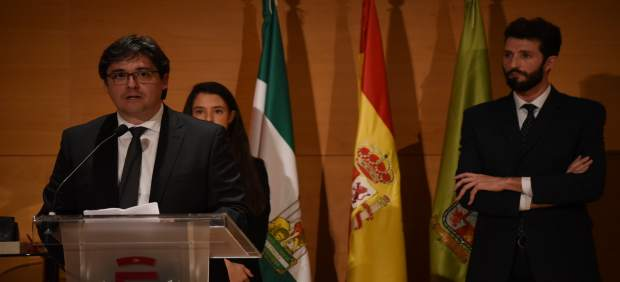 """Entrena: """"Granada no dará ni un paso atrás en igualdad ni en solidaridad ni en humanidad"""""""