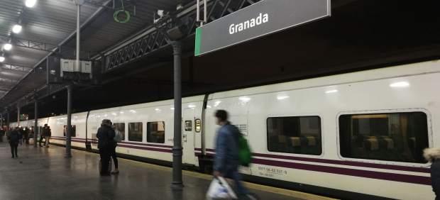 El Talgo Granada-Madrid registra 2.300 viajeros en los primeros 15 días de servicio