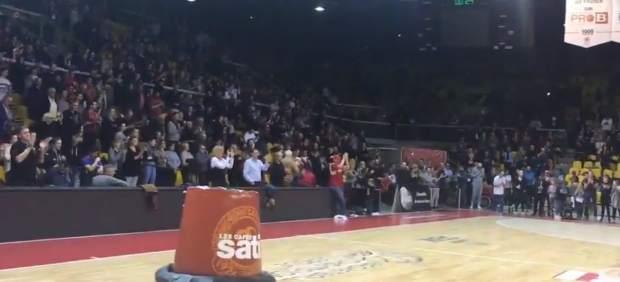 Atrapados por el atentado de Estrasburgo cantan el himno en solidaridad con las víctimas