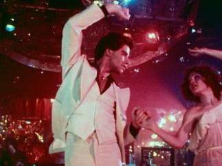El traje de Travolta se subastó por 145.000 dólares
