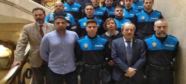 """Ocho nuevos agentes de Policía Local toman posesión y """"oxigenan una plantilla corta y envejecida"""""""