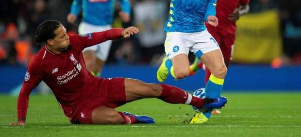 Van Dijk se hace un hueco entre las entradas más salvajes de la historia del fútbol