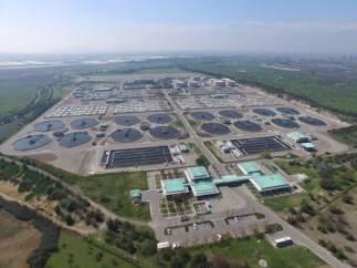 """La ONU premia las """"biofactorías"""" chilenas de Suez que transforman lodo y aguas residuales en energía"""