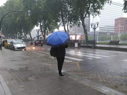 Lluvia en media España