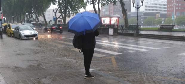 Ya está aquí la borrasca 'Flora': 41 provincias en alerta por lluvia, nieve y viento