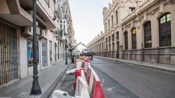 Comença la construcció del carril bici en el carrer Alacant per a connectar amb l'anell ciclista de València