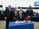 Firma de los presupuestos comunitarios