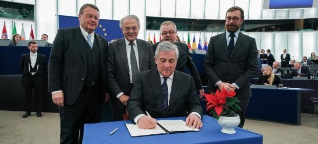 Aprobado el presupuesto de la UE para 2019, que eleva los fondos dedicados a combatir el desempleo ...