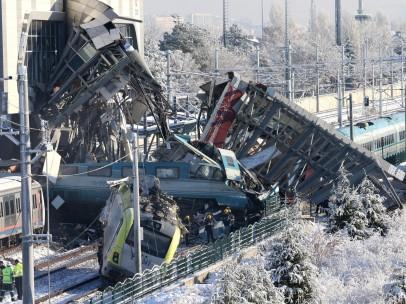Trágico accidente de tren en Turquía