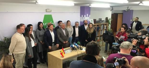 Jorge Campos presenta a Fulgencio Coll como