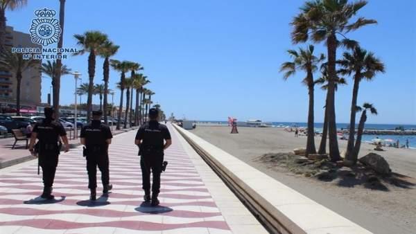 Policía Nacional, en vigilancia en el Paseo Marítimo de Almería