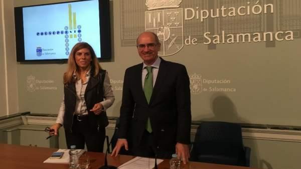 Chabela De La Torre Y Javier Iglesias En La Diputación De Salamanca