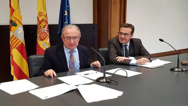 El consejero de Hacienda de Aragón, Fernando Gimeno