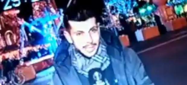 El periodista Antonio Callejón, acosado por una mujer que le intentó besar en pleno directo