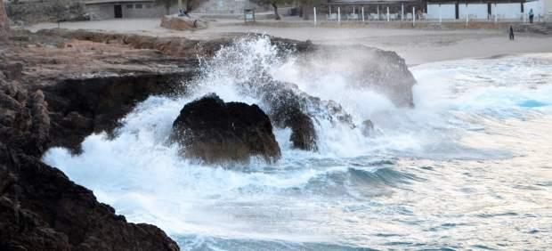Baleares, en aviso naranja este viernes por oleaje y amarillo por lluvias y viento