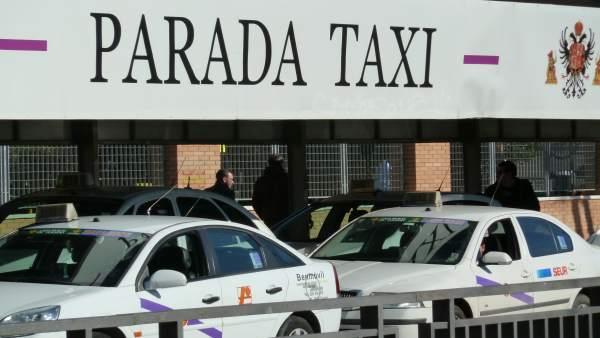 Parada de taxis en Toledo