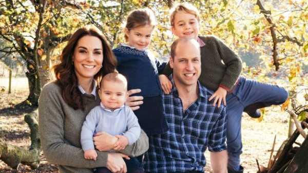 Posado navideño de los duques de Cambridge
