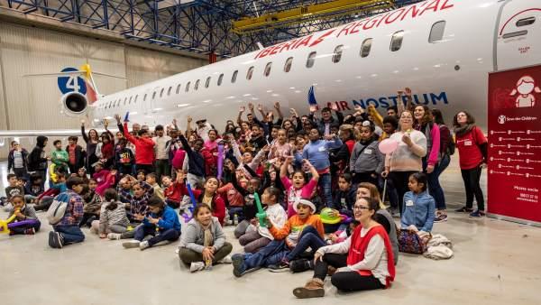 Fiesta Save the Children en el hangar