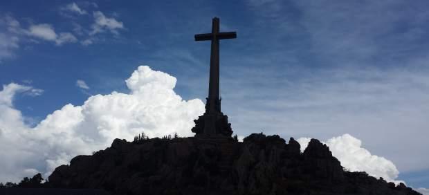 El Supremo decide este lunes si frena de forma cautelar la exhumación de Franco