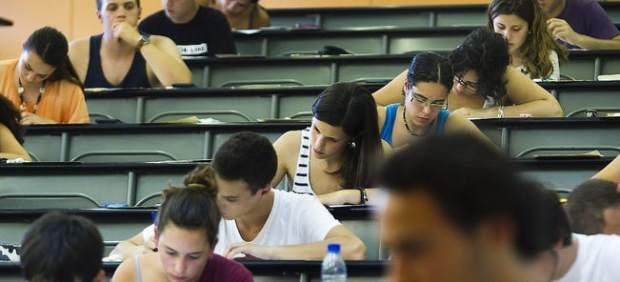 PLIS asegura que una prueba de acceso en catalán para matricularse en Magisterio