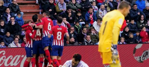 El Atlético de Madrid gana a un Valladolid que le llegó a empatar