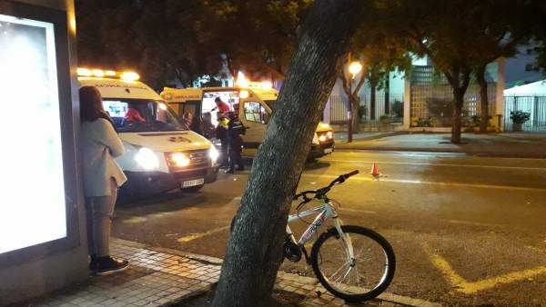 Ambulancias tras un accidente de tráfico en Sevilla