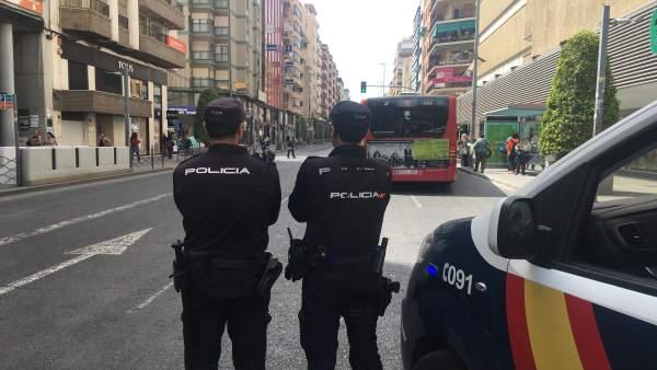 Agentes de Policía Nacional en Alicante