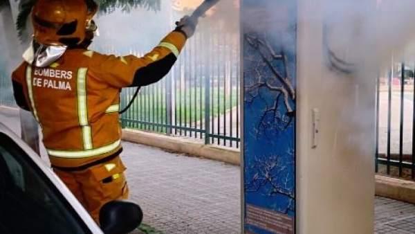 Actuación de un bombero en Palma