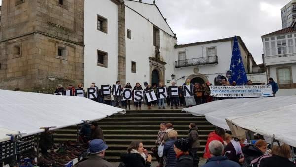 Concentración en la plaza Irmáns García Naveira